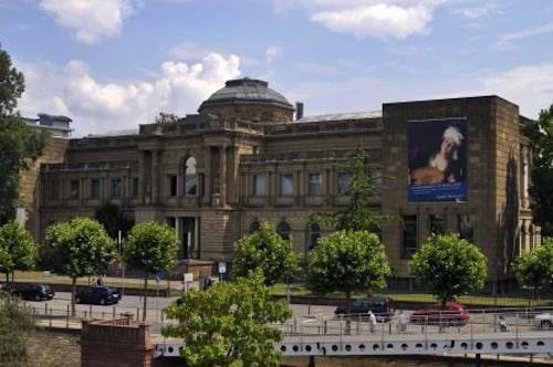 Das Städel Museum beherbergt Werke berühmter Künstler wie Dürer, Rembrandt oder Picasso. Foto: djd/Tourismus+Congress GmbH Frankfurt am Main