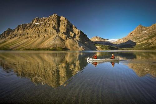 Der Bow Lake im Banff National Park ist ein Ort von spektakulärer Schönheit. Foto: djd/Travel Alberta