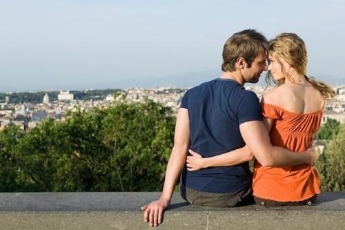 Der erste Jahrestag des Kennenlernens, ein Geburtstag oder das Ehejubiläum: Es gibt viele Anlässe, um mit dem Partner einen romantischen Urlaub zu verbringen. Foto: djd/www.kurzurlaub.de