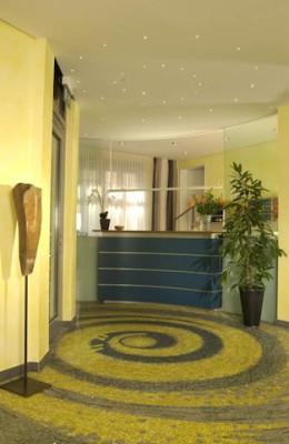 GHOTEL_München-Zentrum-Rezeption1