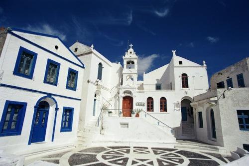 Der Marktplatz von Nikia auf Nissyros wurde als einer der schönsten in Europa ausgezeichnet. Foto: djd/Griechische Zentrale für Fremdenverkehr/Artin Karakasian