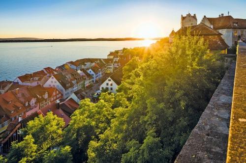 Faszinierendes Ambiente: Meersburg am Bodensee lockt mit historischer Kulisse, einem abwechslungsreichen Kultur- sowie Genussangebot und natürlich mit einem beeindruckenden Naturpanorama. (Foto: epr/Meersburg Tourismus/Martin Maier)