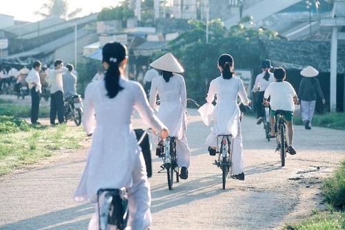 In Vietnam ist das Fahrrad ein beliebtes Verkehrsmittel - auch für Urlauber. Foto: djd/SunTrips Reisen GmbH