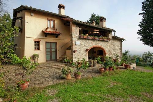 Ein Ferienhaus für die ganze Familie: Auch größere Familien oder Gruppen finden passende Unterkünfte, beispielsweise in der Toskana. Foto: djd/Belvilla Ferienhäuser
