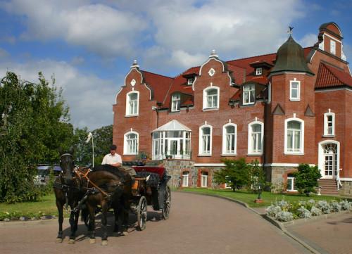 Das Hotel Schloss Herrenstein gehört zu den noblen Unterkünften in der Uckermark. (epr/Herrenstein/Uckermark)