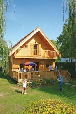 Die Mobilheime und Lodges sind behaglich und mit allem Komfort ausgestattet. Foto: djd/Canvas Holidays