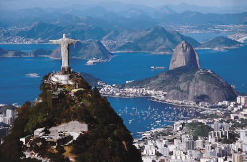 Die Christusfigur und der Zuckerhut sind bekannte Wahrzeichen Rios. Im Sommer 2016 wird im Rahmen der Olympischen Spiele die ganze Welt dorthin schauen. (Foto: epr/Vietentours)