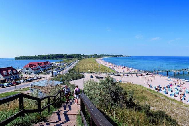 Ferienorte wie Rerik am Salzhaff locken auch im Herbst viele Urlauber an die Küste Mecklenburg-Vorpommerns. Foto: djd/TZ Mecklenburgische Ostseeküste/VMO KV Rerik
