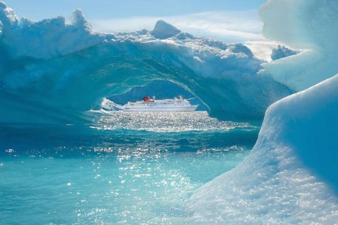 Die Expeditionskreuzfahrten der MS Bremen führen auch nach Grönland ins ewige Eis. Foto: djd/Kreuzfahrten.de/Hapag-Lloyd Kreuzfahrten