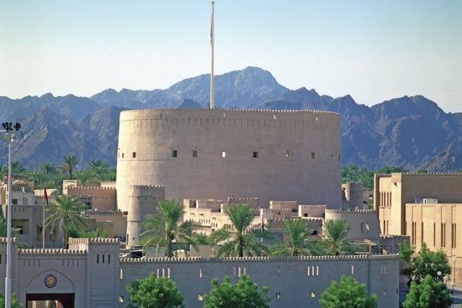Auch die orientalische Architektur ist für deutsche Urlauber interessant. Foto: djd/Sultanate of Oman