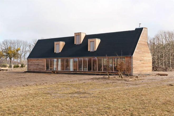 """Preisgekrönt ist """"Das Schwarze Haus"""" in Pinnow, ein Feriendomizil der besonderen Art. Foto: djd/Uckermark/Schwarzes Haus"""