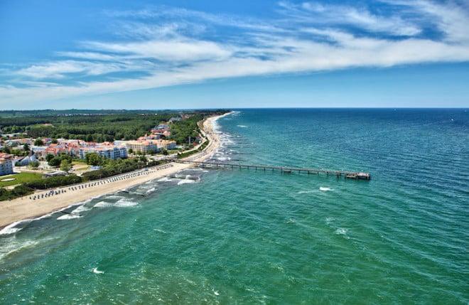 Die Ostsee, hier bei Kühlungsborn, ist für Familien das ganze Jahr über ein beliebtes Reiseziel. Foto: djd/TZ Mecklenburgische Ostseeküste/TSK VMO