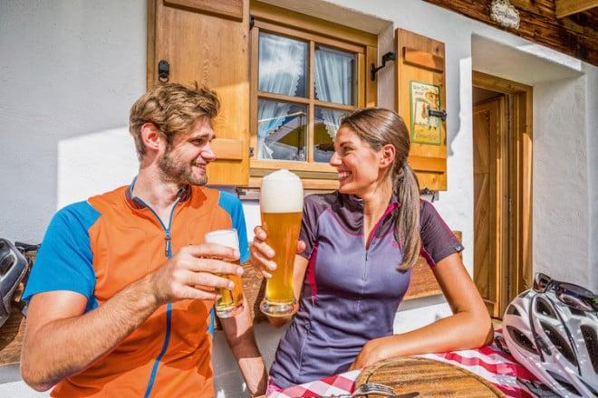 Auf zur Bier-Radeltour ins wunderschöne Chiemgau! Hier findet man die ideale Kombination aus Entschleunigung und Genuss. (Foto: epr/Chiemgau Tourismus)