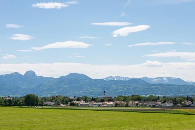 Bad Aibling vor der Alpenkulisse Foto: AIB-KUR