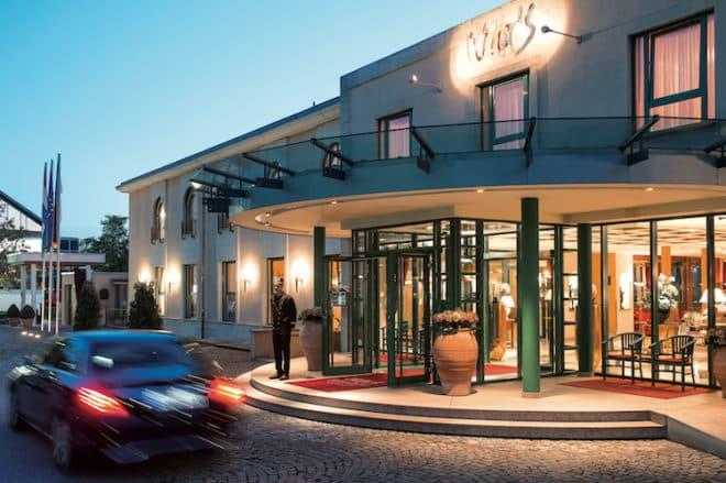 Eingang Hotel Restaurant Schloss Berg Bildquelle: Barbara Heinz