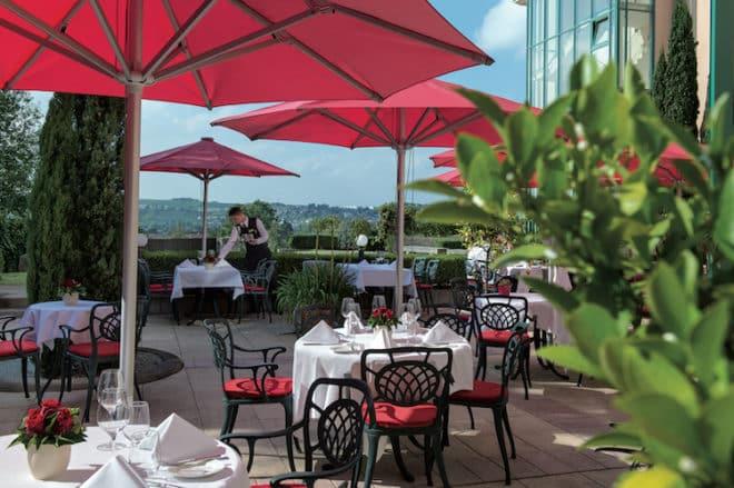 Terrasse Hotel Restaurant Schloss Berg Bildquelle: Barbara Heinz