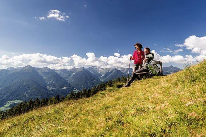 Gemütliche Einkehr und entspannte Pausen auf den vielen Hütten und Almen in der Region. Bildnachweis: TV Sterzing/Gossensass (Klaus Peterlin/allesfoto.com)