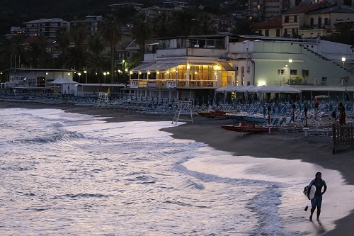 "Surfer in Varazze Foto: Photo Archive Agenzia ""In Liguria"""
