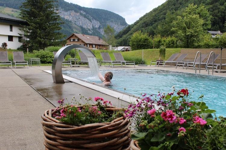 Wellness mit Alpenpanorama - das bietet die Sonne Mellau im Bregenzerwald.