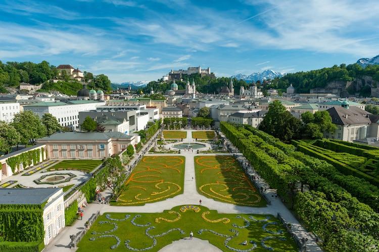 Sehenswürdigkeiten Salzburg, Blick über den Mirabellgarten auf die Salzburger Altstatdt Foto: Tourismus Salzburg