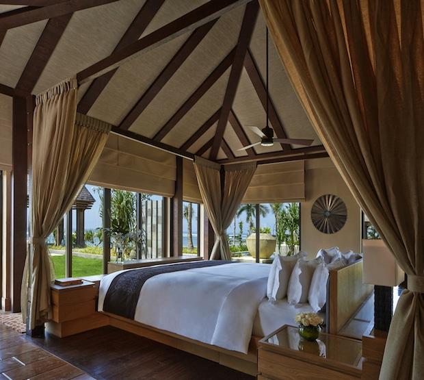 Schlafzimmer der Oceanfront Villa_©The Ritz-Carlton, Bali