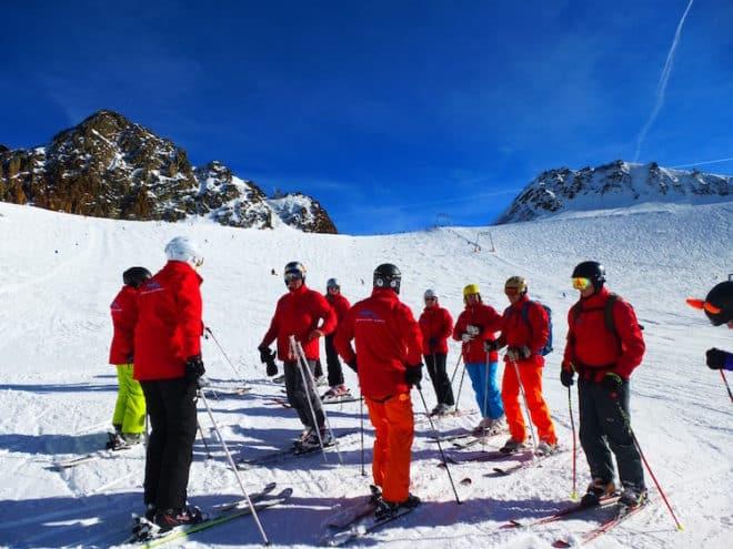 Silvester im Schnee: Singles erobern gemeinsam mit ihren Reiseleitern die besten Pisten Österreichs Foto: Sunwave Reisen