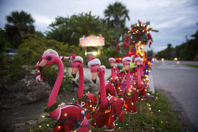 Weihnachtliche Flamingo Figuren Foto: ©The Beaches of Fort Myers & Sanibel