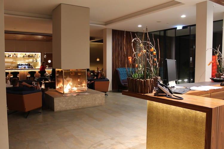 Die Bestuhlung der Hotelbar im Klosterhof ist eine Besonderheit