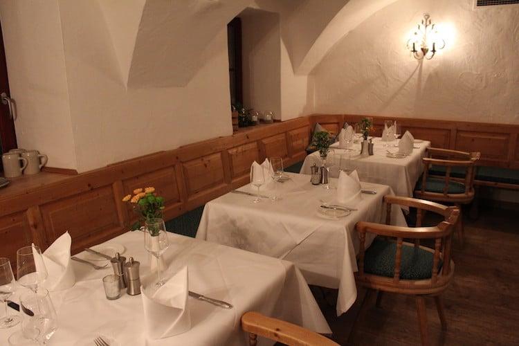 Die Hallgrafenstube im Klosterhof Altbau ist originalgetreu saniert worden.