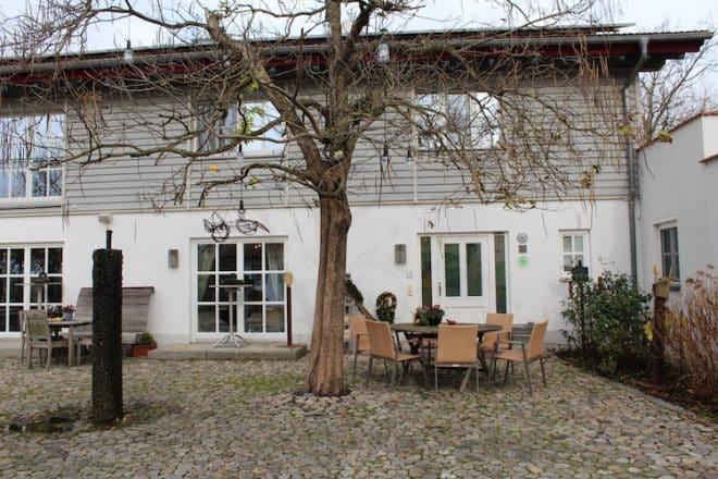 Der Innenhof vom Hofgut Hafnerleiten