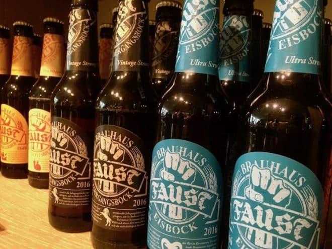 Eine kleine Auswahl an Bieren der Brauerei Faust.