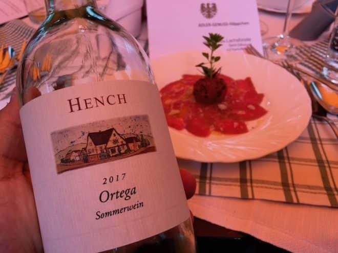 Weißwein zum Rindercarpaccio vom Weingut Hench in Bürgstadt