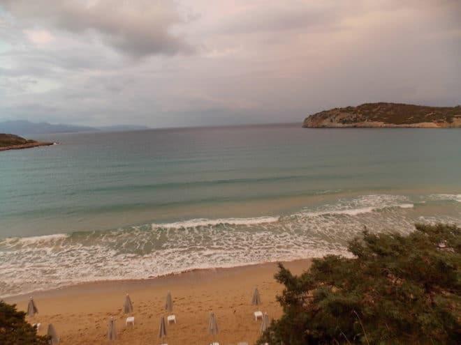 Eine ruhige schöne Bade-Bucht auf Kreta. Ideal für einen Strandurlaub.