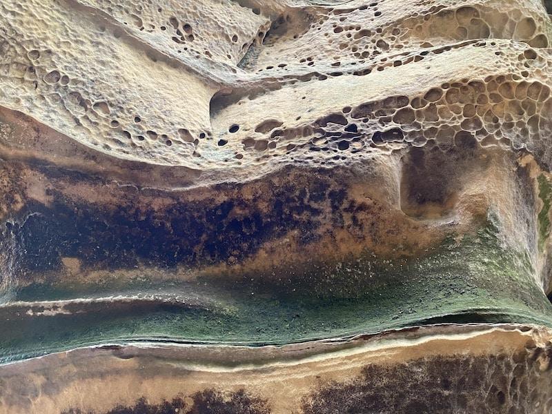 Die Felsen in der Teufelsschlucht bestehen aus Sandstein