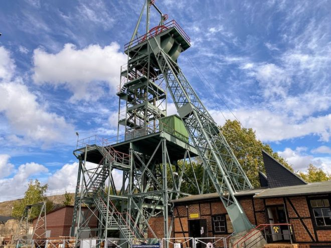 Förderturm ErlebnisZentrum Bergbau Röhrigschacht Wettelrode in Sachsen-Anhalt.