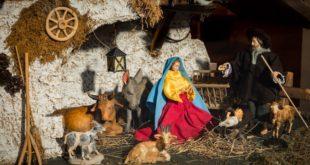 Auf dem Lenggrieser Kripperlwegs die Weihnachtsgeschichte erleben.